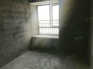 利川市,长途汽车站附近4房新房毛坯,安置房出售。