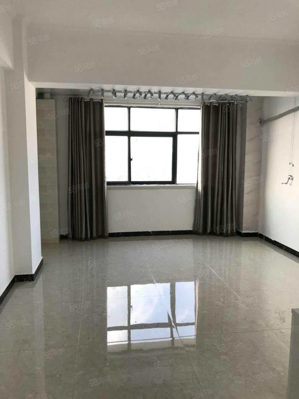 新一峰城市广场公寓新装修未入住首次出租