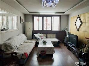 齐鑫花园90平3楼家具家电齐全拎包入住。