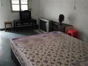 明堂附近的百纺正街,简单装修,一室一厅一卫