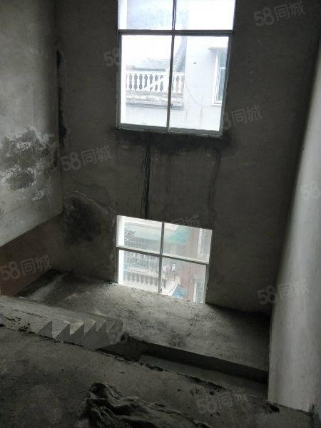 移动公司对面高端复式楼,有钥匙随时看房