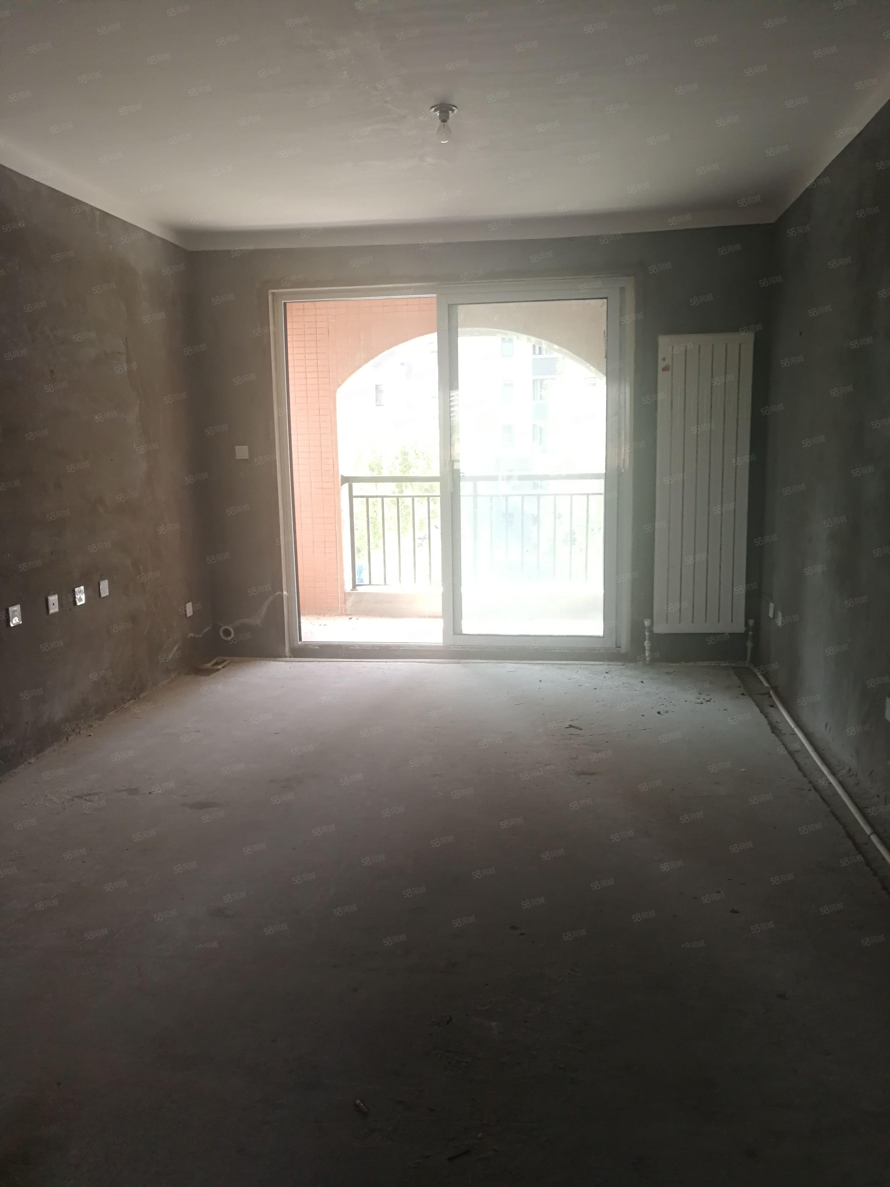 郑报润园1期,南北通透三室,可网签,好楼层,随时看房
