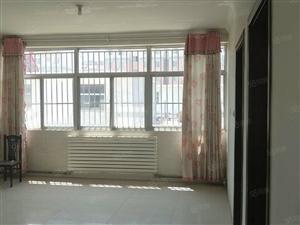《儒房地产》前石碑小康楼上下三层可住可办公可带院子。