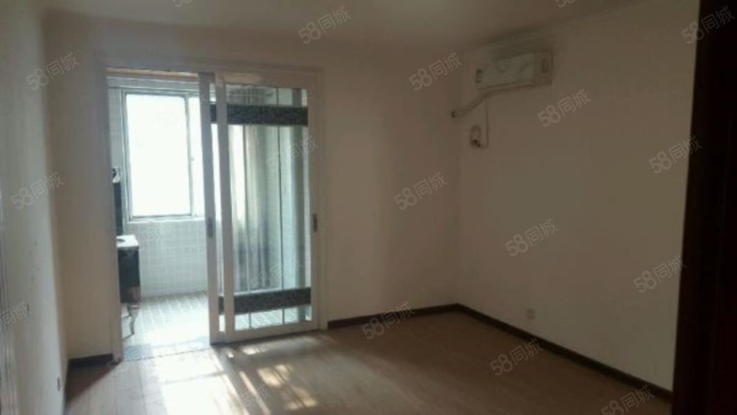 咸通北路龙凤苑4室2厅3卫空房子出租南北通透采光好