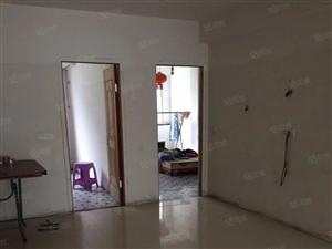 百丈嘉园小区五楼105平方三室两厅两卫简单装修