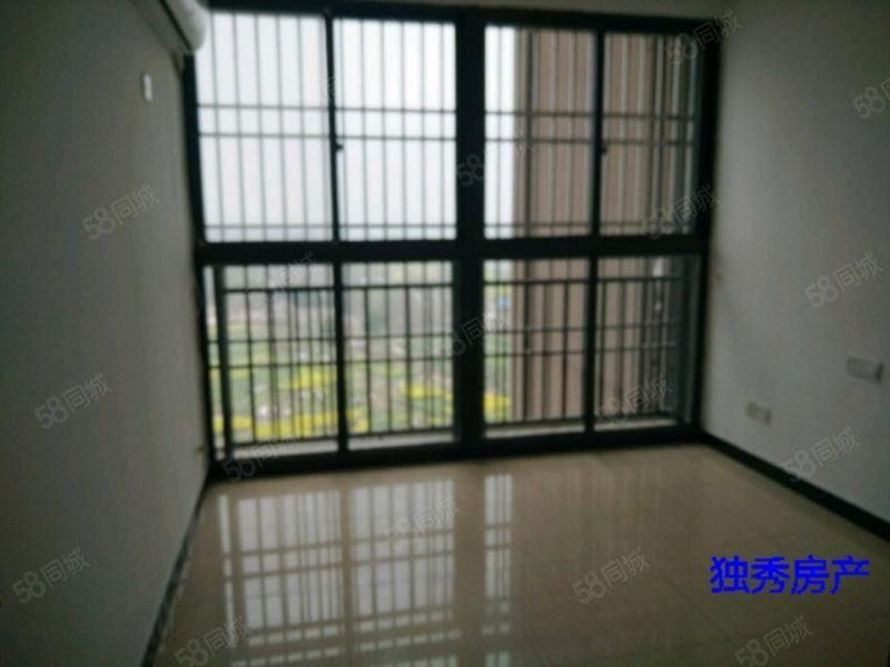 该房地理位置优越,舒适三室干净整洁