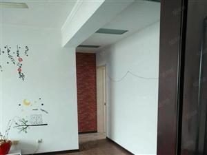 东城东二路金辰花园五楼带阁楼三室两厅两卫精装修整租