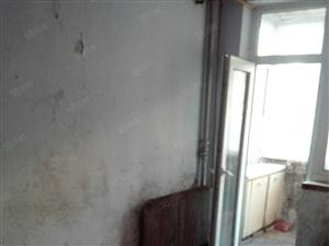马家新区一屋二室59平简单装修月租450元押一付三。