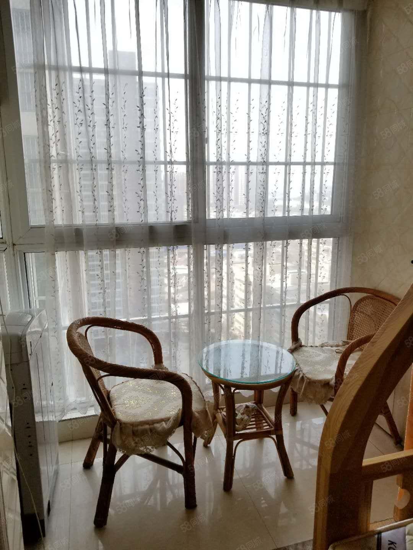 中州路海燕鑫聚温馨公寓房精装修,拎包入住,电梯房中层