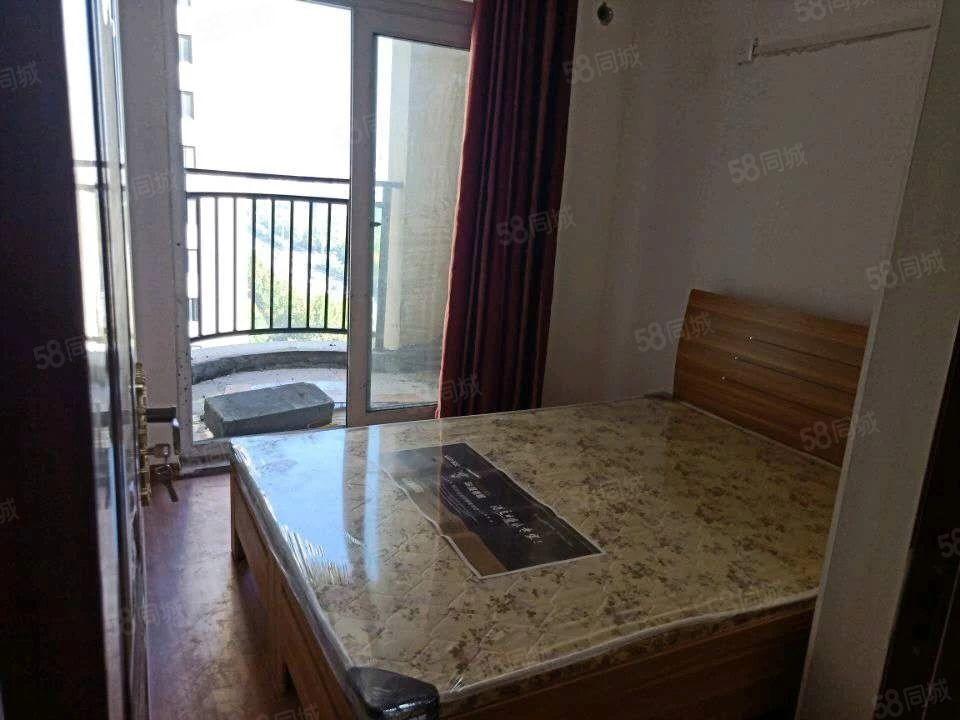单间出租,600到900不等,看房方便,基本家电家具齐全,急