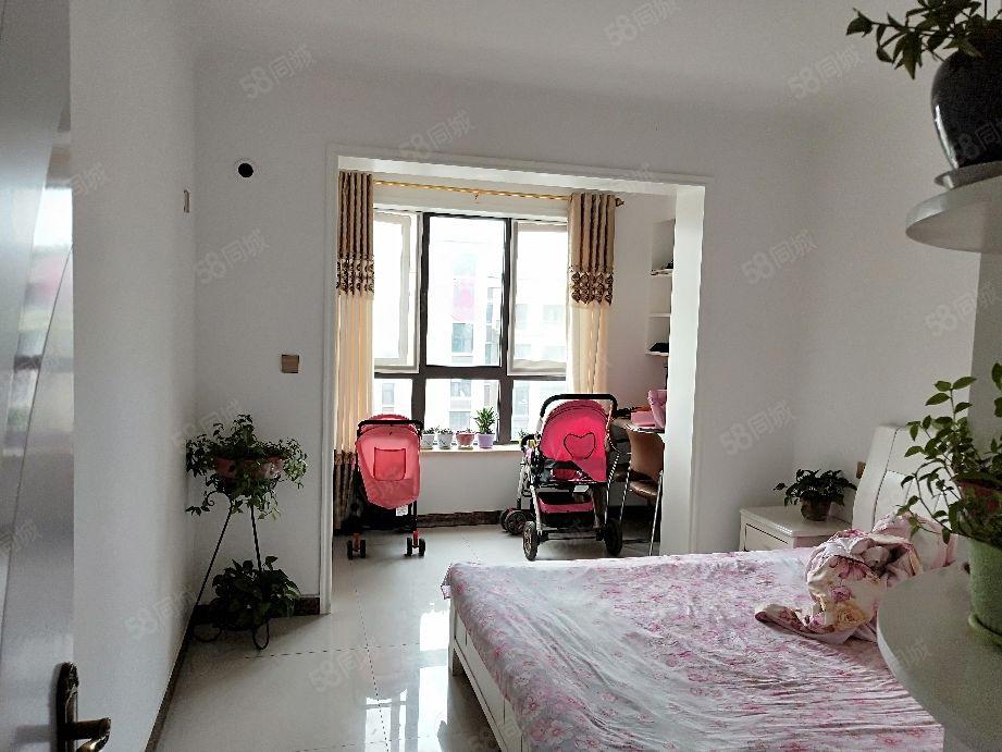 南龙湖地铁口坤达祥龙城精装两室拎包入住随时可以看房