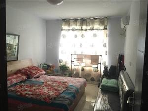 香榭丽舍,简装三居室,采光好,位置优,52万,需全款