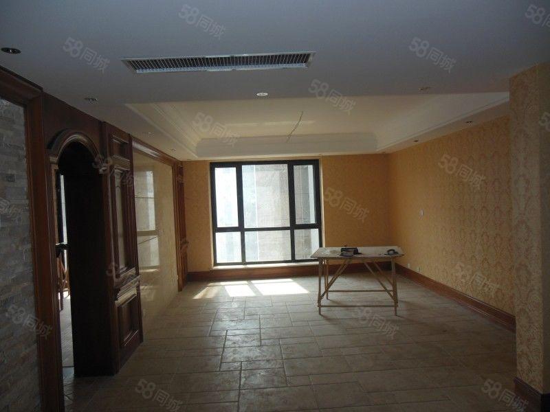 万丰慧城4室可贷款,紧邻外语,地铁口双气,随时看,有本免税