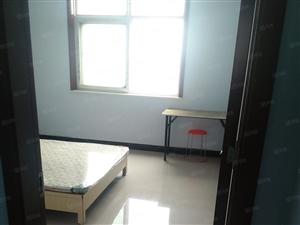 个人400元出租经开区一大街(丹尼斯,福塔)附近小区单间卧室
