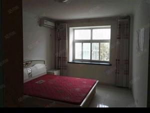 东城德泰北区三楼100平3室2厅家具家电带空调齐全1.68万