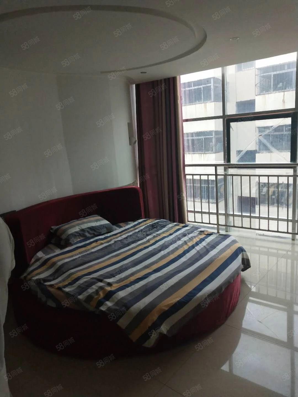 温州步行街精装一室一厅拎包入住家具家电齐全停车方便