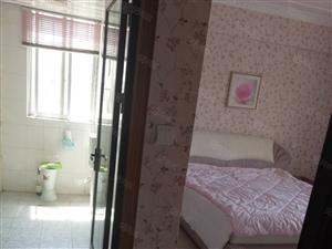 房屋位于七花广场旁边移动花园楼梯房4楼3室2厅2卫出售