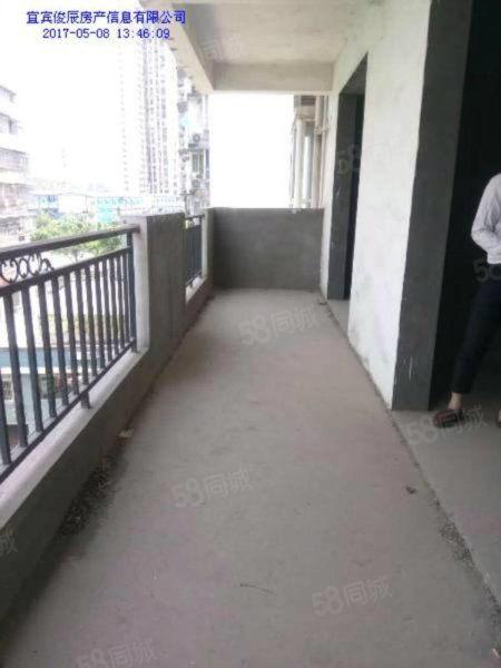 房屋位于西区繁华地段电梯清水房随心装修只卖5千单价