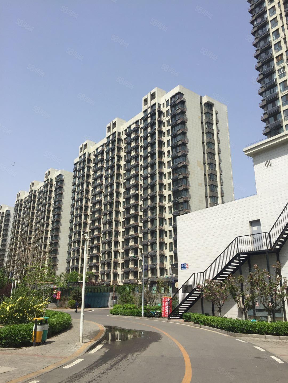 东方明珠15楼72平米2室1厅精装修售48万