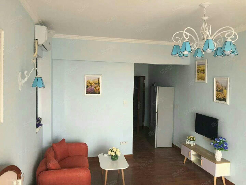 城南新都汇一房一厅42方中层向南的单身公寓租1600