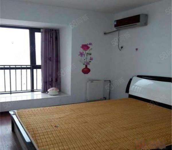 (蓝雀花园)3室25平,挑高客厅宽敞大气,卧室搭配的很新