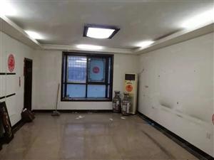 急租万鑫苑西区2楼舒适大三房四个空调精装修拎包入住