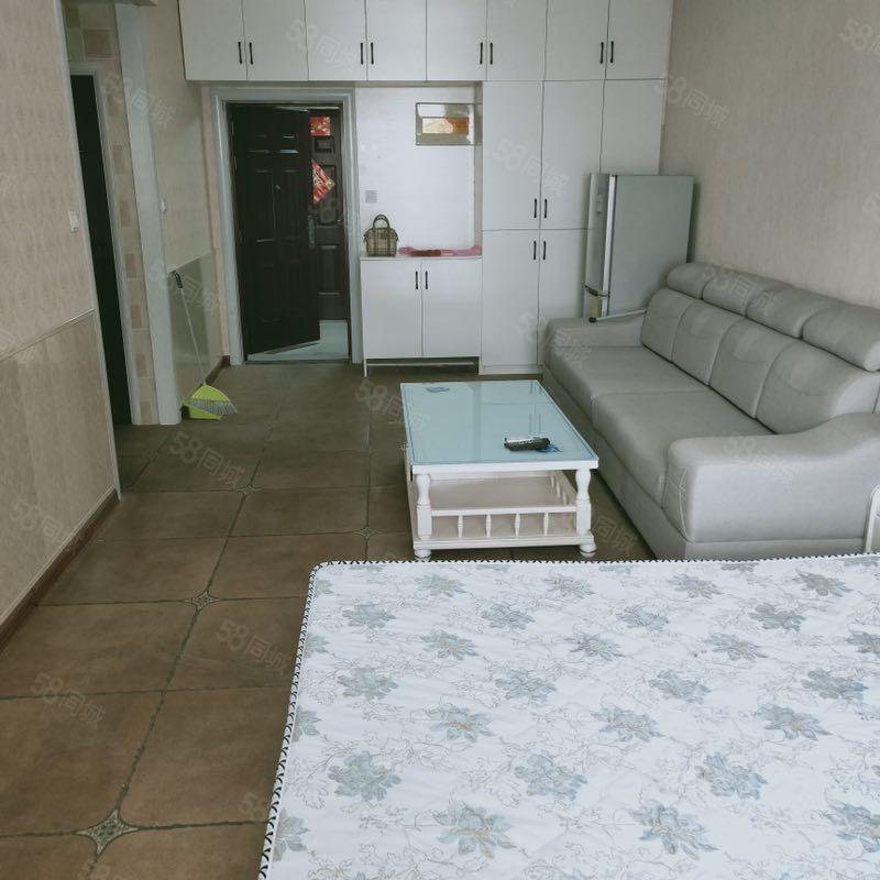 格林绿色港湾一室一厅精装修拎包入住随时看房