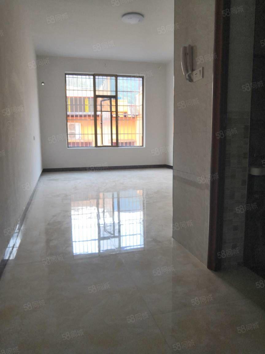 金码头单身公寓精装修房子是新建的家电齐全全部配新的。
