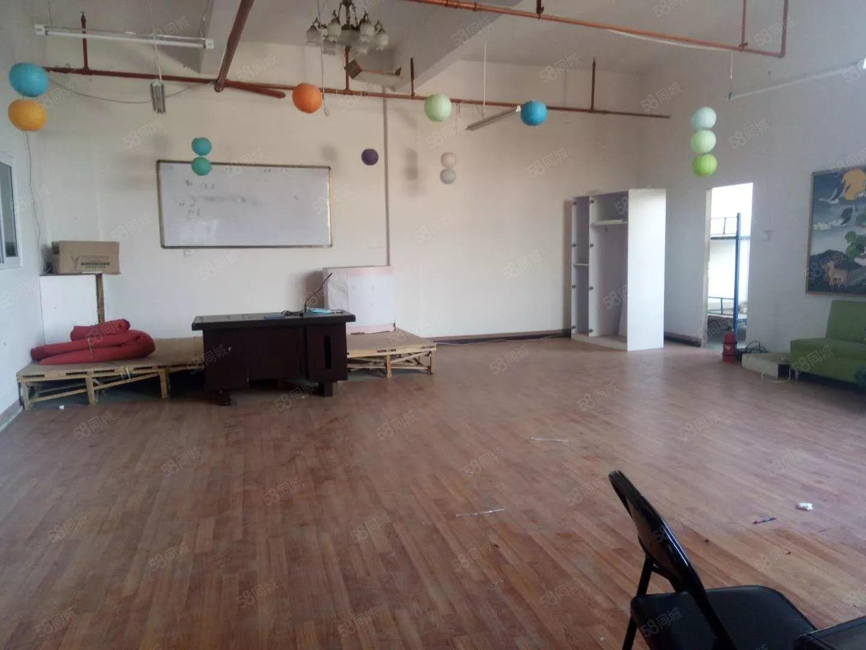 盛世庭园二楼铺面250平米9个包间2个大厅地段位置好