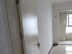 北湖新区荷韵花园精装修6楼三室二厅120平户型好南北通