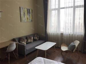 龙湖精装修公寓,一室,拎包入住,不短租,家具家电齐,配套完善
