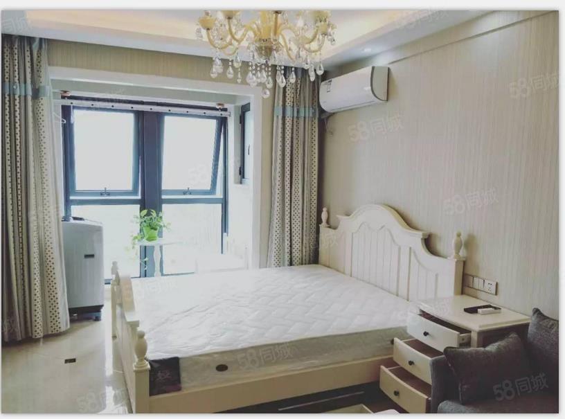 吾悦广场精装公寓品牌家电干净整洁初次出租拎包入住
