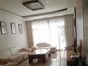 红河印象5楼4室2厅2卫1厨1800元/月