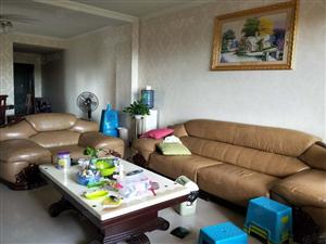 凤凰小区三室,+空调+带入户+阳台,急.租