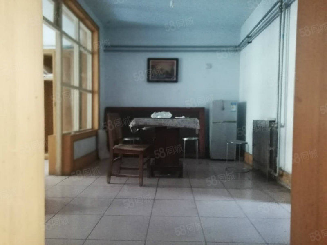 太白小区三室两厅三室朝阳精装送储