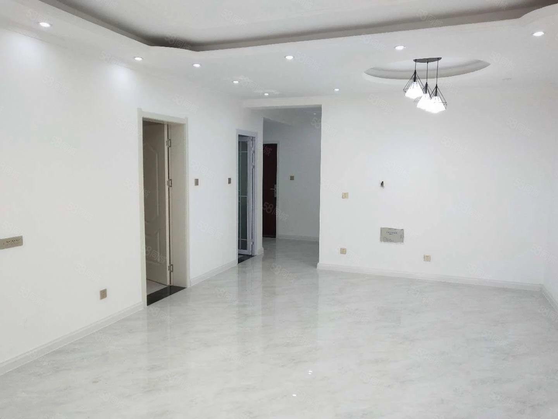 天明城全新精装三房首次出租全新家具仅租1600/月!