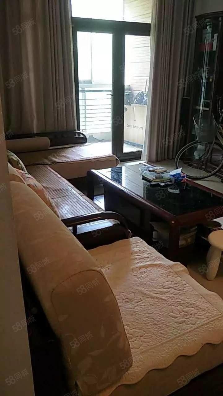 思念果岭洋房急售标准一室一厅精装修拎包入住63万免税
