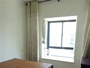 银海路3房出租。小区整洁,配套齐全。