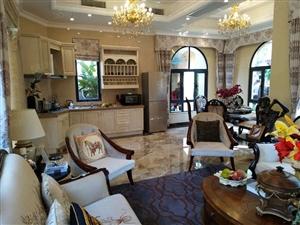 千赢娱乐南国威尼斯独栋别墅地下一层地上两层交通、生活方便