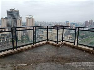 龙昆南《正大豪庭》跃层3层,实用面积250平,带全景空中露台