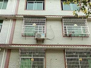 东升街整栋220平装修房售价123万