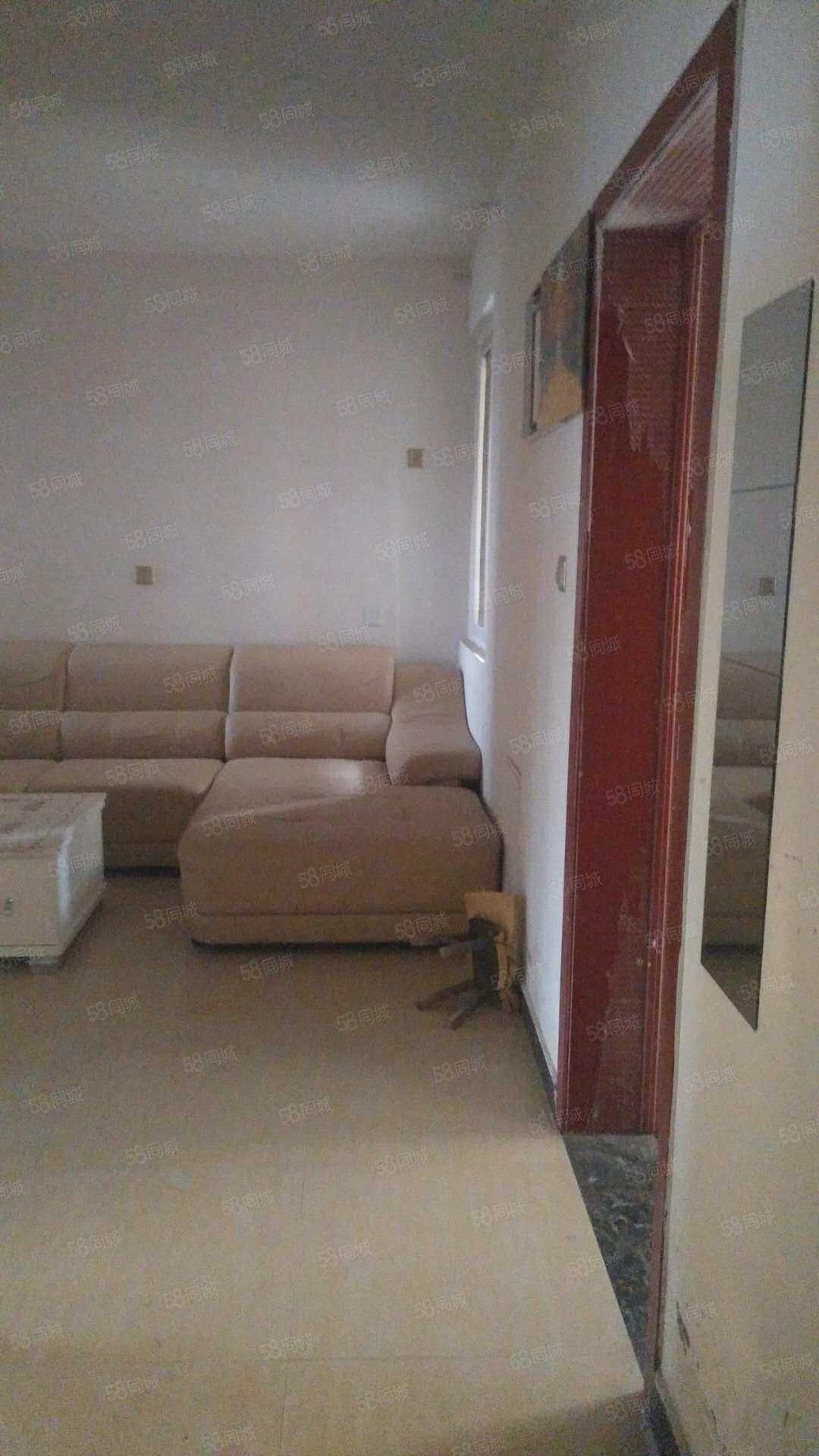 恩平湖地铁口陡沟小区一室一厅,家电齐全,月租1000元,