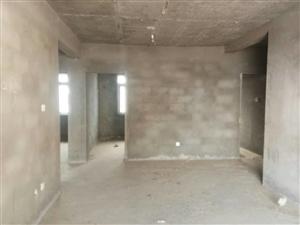 三室二厅两卫,须全款裸房,价格面议。。。。。。。。