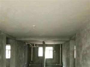 一楼带花园带地下室112平米三室两厅