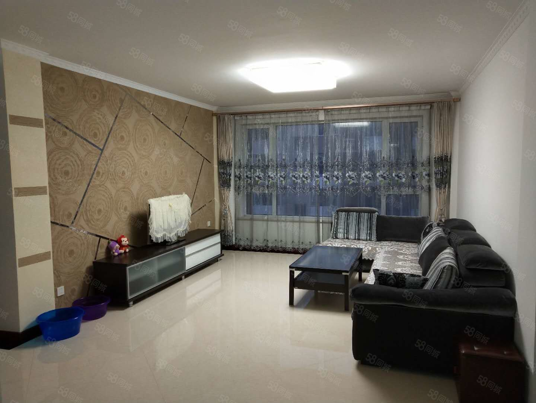 典逸心洲精装修家电家具齐全2居室有空调2500元/月
