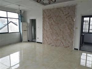 南新巷内精装修83平米带家具家电仅售16.8万
