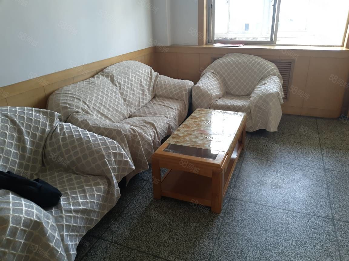 凯天大酒店附近两室一厅家具齐全有家电能做饭能洗澡能停车