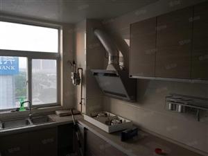 东城金融小区7楼156平三室两厅带地下室车位133万