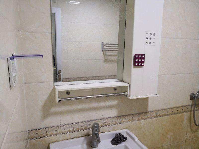 新和铭城电梯12楼精装可租可售家具家电齐全拎包入住