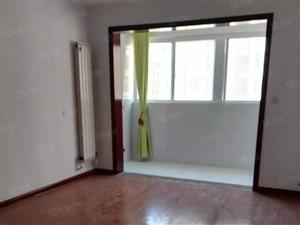繁华地段,高档小区,上下复式158平方,两室两厅